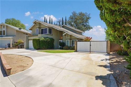 Photo of 22912 Beech Creek Circle, Valencia, CA 91354 (MLS # SR21158261)