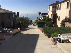 Photo of 227 32nd Street, Manhattan Beach, CA 90266 (MLS # SB18290262)