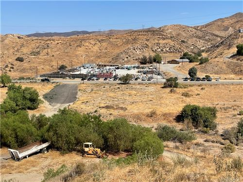 Photo of 15408 Sierra, Canyon Country, CA 91390 (MLS # SR21178263)
