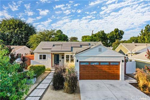 Photo of 16647 Hamlin Street, Lake Balboa, CA 91406 (MLS # IN20182264)