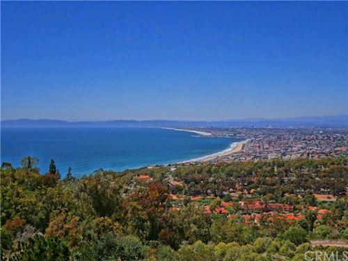 Photo of 964 Via Rincon, Palos Verdes Estates, CA 90274 (MLS # PV21129264)