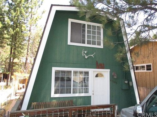 Photo of 42968 Sunset Drive, Big Bear, CA 92315 (MLS # RS20137264)