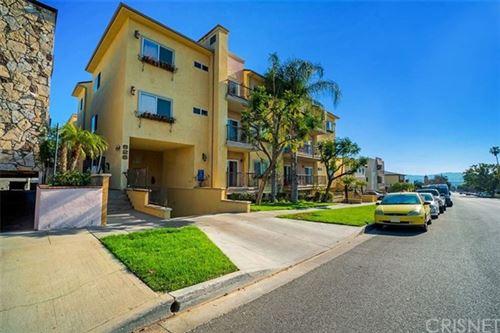 Photo of 626 E Orange Grove Avenue #105, Burbank, CA 91501 (MLS # SR21072264)