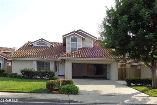 Photo of 12676 Ambermeadow Street, Moorpark, CA 93021 (MLS # 221002265)