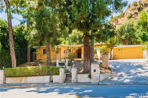 Photo of 2253 Coldwater Canyon Drive, Beverly Hills, CA 90210 (MLS # 320002265)