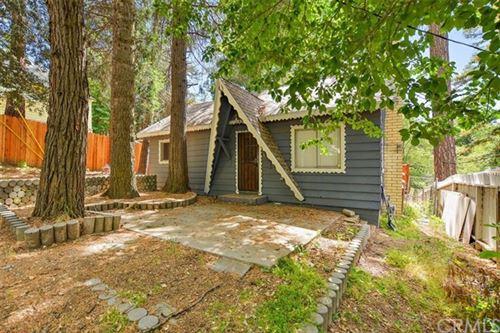 Photo of 470 Tetley Lane, Crestline, CA 92325 (MLS # CV20137265)