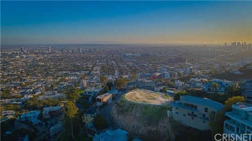 Photo of 8561 Hillside Avenue, Hollywood Hills, CA 90069 (MLS # SR21013265)