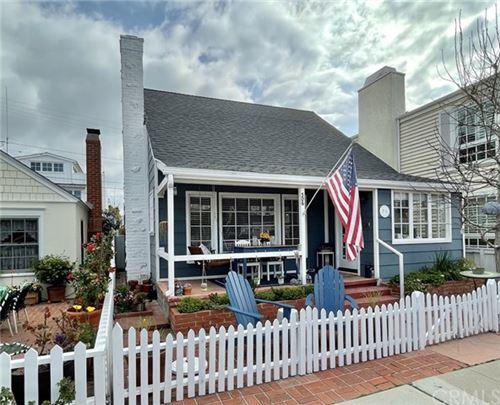 Photo of 306 Apolena Avenue, Newport Beach, CA 92662 (MLS # NP21029266)