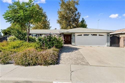 Photo of 28103 Alaminos Drive, Saugus, CA 91350 (MLS # SR21229266)