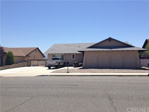 Photo of 27454 Garza Drive, Saugus, CA 91350 (MLS # SR20145268)