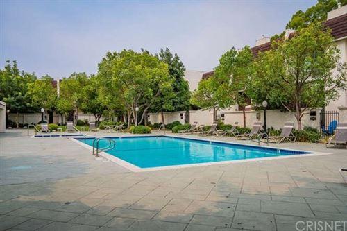 Tiny photo for 6245 Randi Avenue, Woodland Hills, CA 91367 (MLS # SR20188268)