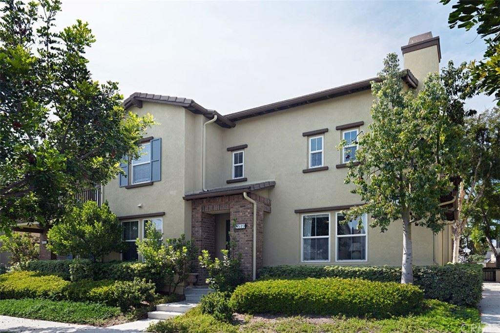 Photo of 15519 Bonsai Way, Tustin, CA 92782 (MLS # OC21158270)