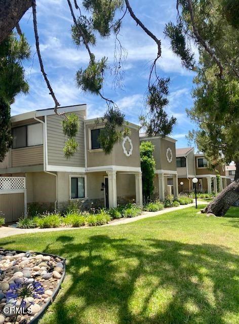Photo of 10780 Woodley Avenue #4, Granada Hills, CA 91344 (MLS # V1-6270)