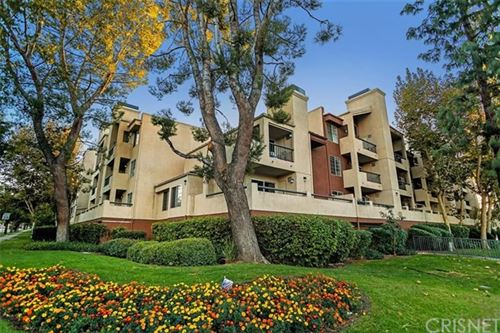 Photo of 21400 Burbank Boulevard #122, Woodland Hills, CA 91367 (MLS # SR20242271)