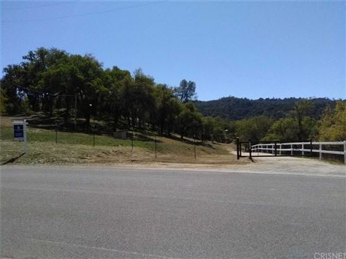 Photo of 14615 Chimney Rock Road, Paso Robles, CA 93446 (MLS # SR21077271)