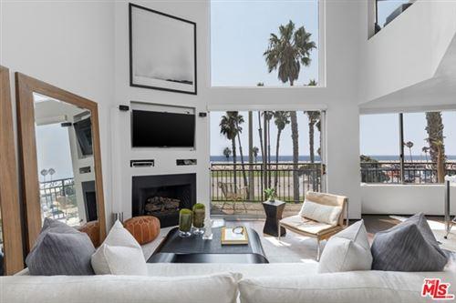 Photo of 118 Wadsworth Avenue #7, Santa Monica, CA 90405 (MLS # 20635272)