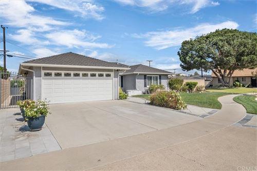 Photo of 6261 Briarcliff Drive, Huntington Beach, CA 92647 (MLS # OC21231272)