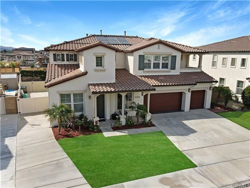 Photo of 31156 Hickory Place, Temecula, CA 92592 (MLS # SW21155272)