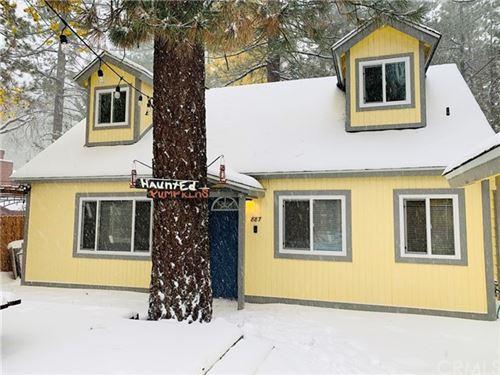 Photo of 887 Tulip Lane, Big Bear, CA 92315 (MLS # RS21105273)