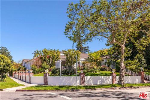 Photo of 180 N Las Palmas Avenue, Los Angeles, CA 90004 (MLS # 21714274)