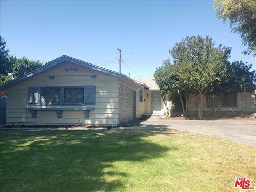 Photo of 8541 Belmar Avenue, Northridge, CA 91324 (MLS # 21761274)