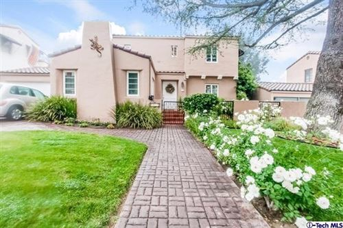 Photo of 1434 El Miradero Avenue, Glendale, CA 91201 (MLS # P1-1274)