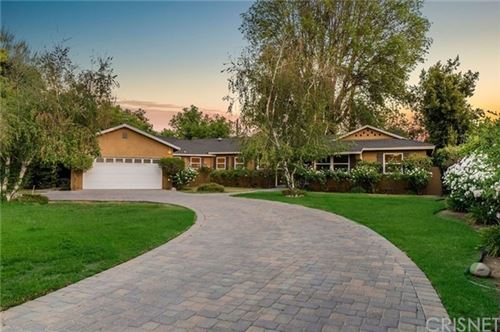 Photo of 22960 Calvert Street, Woodland Hills, CA 91367 (MLS # SR21103274)