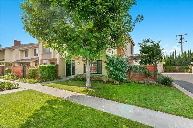 Photo of 915 W Lamark Lane, Anaheim, CA 92802 (MLS # OC20221274)