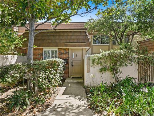 Photo of 10327 Larwin Avenue, Chatsworth, CA 91311 (MLS # BB21159275)