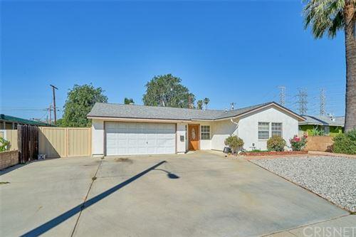 Photo of 11327 Gaynor Avenue, Granada Hills, CA 91344 (MLS # SR21091275)