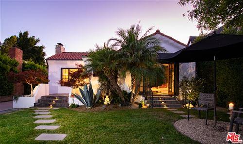 Photo of 613 S Sycamore Avenue, Los Angeles, CA 90036 (MLS # 20603276)