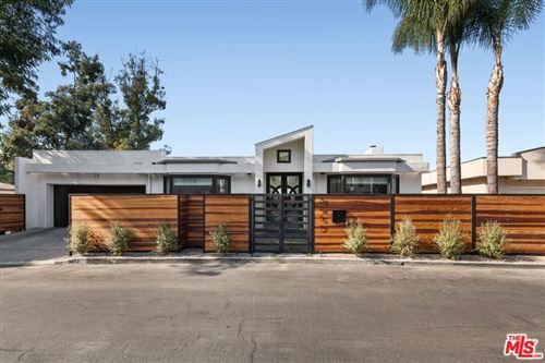 Photo of 3457 Primera Avenue, Los Angeles, CA 90068 (MLS # 21795276)