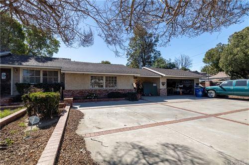 Photo of 14748 Gledhill Street, Panorama City, CA 91402 (MLS # SR21133276)