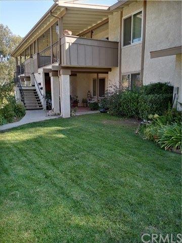Photo of 26373 Oak Highland Drive #B, Newhall, CA 91321 (MLS # SC21083277)