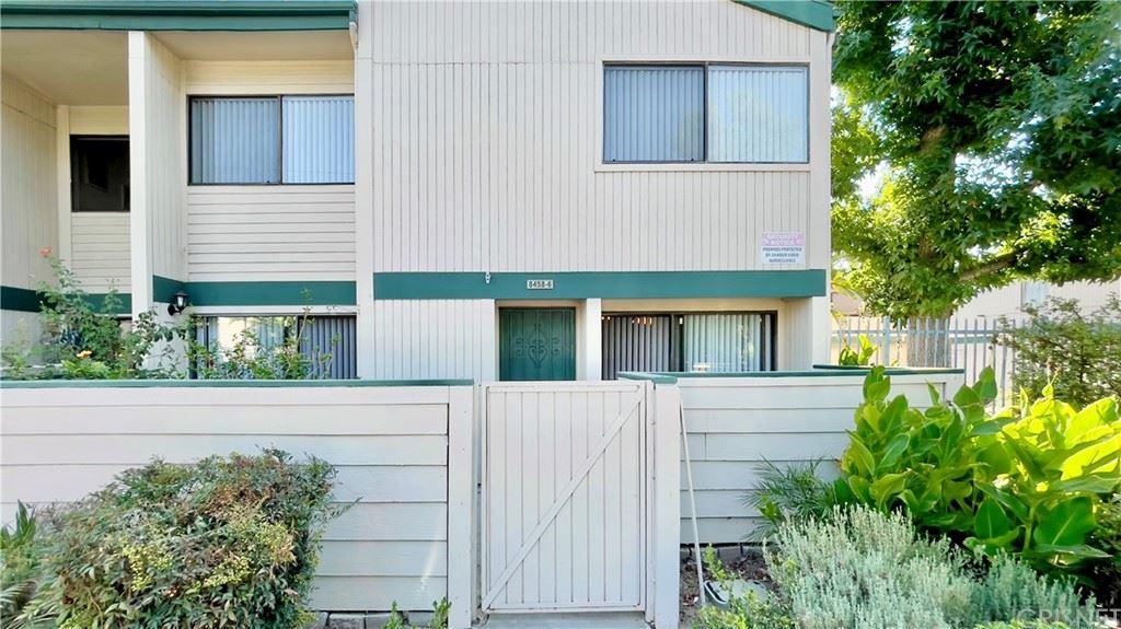 Photo for 8458 Langdon Avenue #6, North Hills, CA 91343 (MLS # SR21190277)