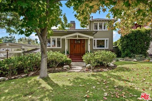 Photo of 3637 Mountain View Avenue, Los Angeles, CA 90066 (MLS # 21675278)