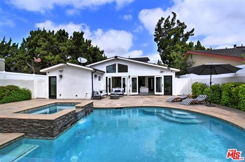 Photo of 14236 Margate Street, Sherman Oaks, CA 91401 (MLS # 21720278)