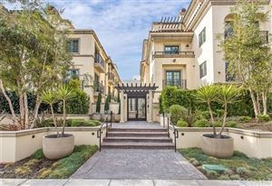 Photo of 225 S Hamilton Drive #307, Beverly Hills, CA 90211 (MLS # DW19185278)