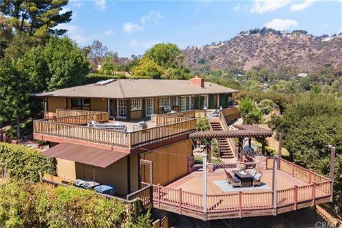 Photo of 1401 Chamberlain Road, Pasadena, CA 91103 (MLS # OC21204278)