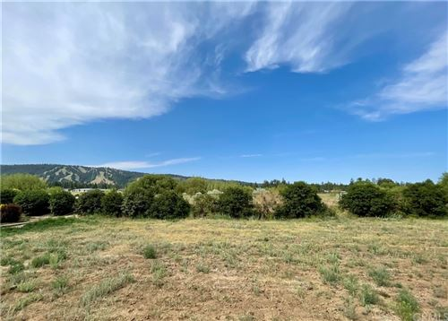 Photo of 278 Meadow Circle North, Big Bear, CA 92315 (MLS # SB21166279)