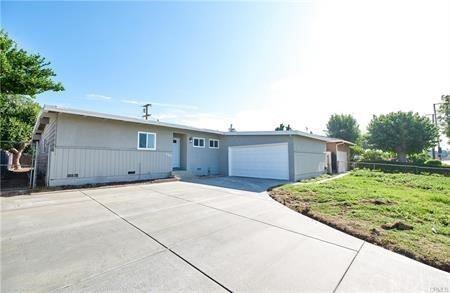 286 E Merrill Avenue, Rialto, CA 92376 - MLS#: CV21203279