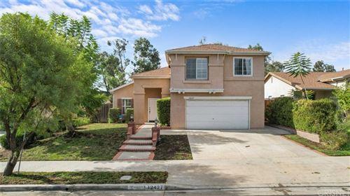 Photo of 12427 Edgecliff Avenue, Sylmar, CA 91342 (MLS # SR21229280)