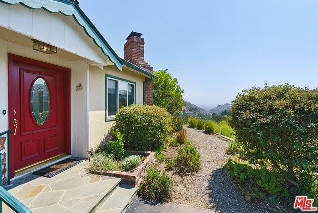Photo of 2801 Nichols Canyon Place, Los Angeles, CA 90046 (MLS # 20628280)