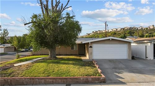 Photo of 18917 Stillmore Street, Canyon Country, CA 91351 (MLS # SR21161281)