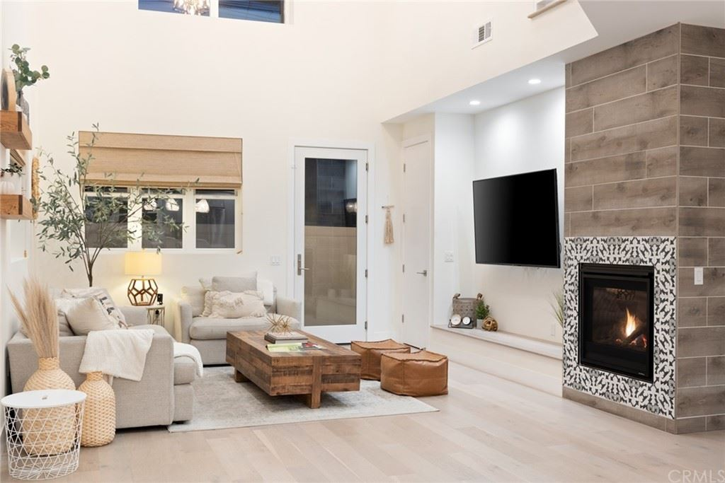 1804 Fullerton Avenue, Costa Mesa, CA 92627 - MLS#: PW21164281