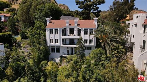 Photo of 8146 Laurel View Drive, Los Angeles, CA 90069 (MLS # 21746282)