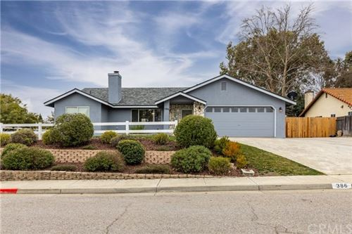 Photo of 386 Quarterhorse Lane, Paso Robles, CA 93446 (MLS # NS21042282)
