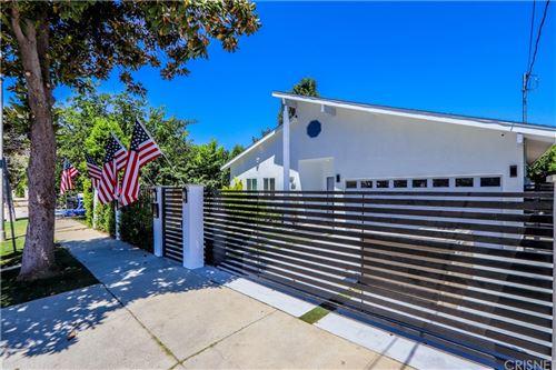 Photo of 17831 17833 DELANO Street, Encino, CA 91316 (MLS # SR21128283)