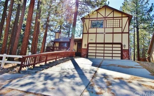 Photo of 352 Feldstrasse Drive, Big Bear, CA 92315 (MLS # EV21073284)