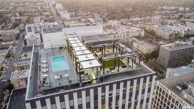 Photo of 3810 Wilshire Boulevard #2105, Los Angeles, CA 90010 (MLS # 320003284)